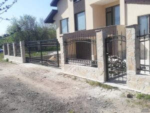 Метални огради и портали от метал